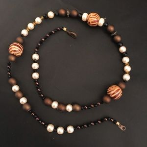 Jewelry - Tiger stripe accent beaded necklace with bracelet